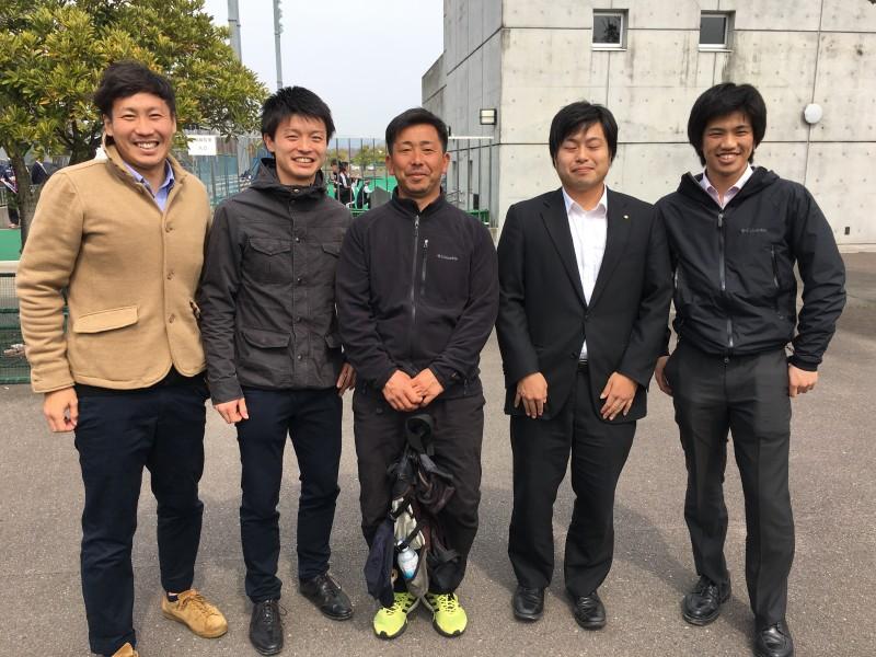 優勝監督・松尾先生と天高OB数名で。