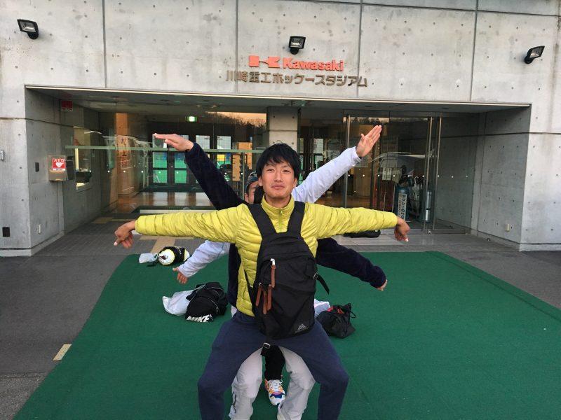 前方から山部選手・井島選手・長澤選手